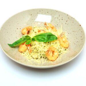 Сливочный рис с креветками и шпинатом